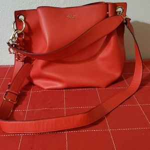 Guess large snap open satchel w/double strap.